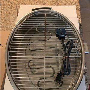 Saladmaster electric smokeless broiler